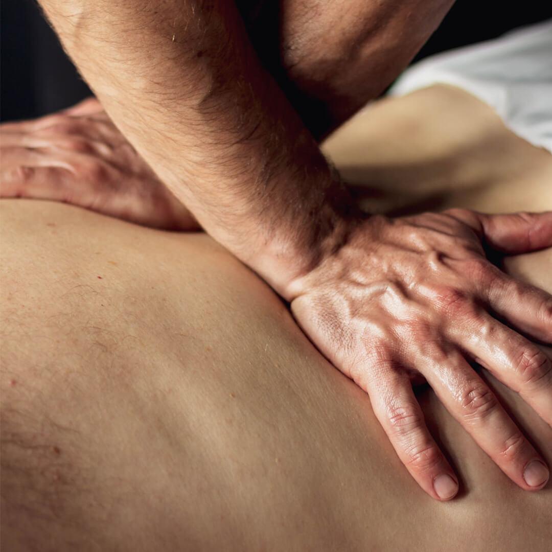 Technique de massage sur le thérapeutique, offert au Bota Bota- format carré