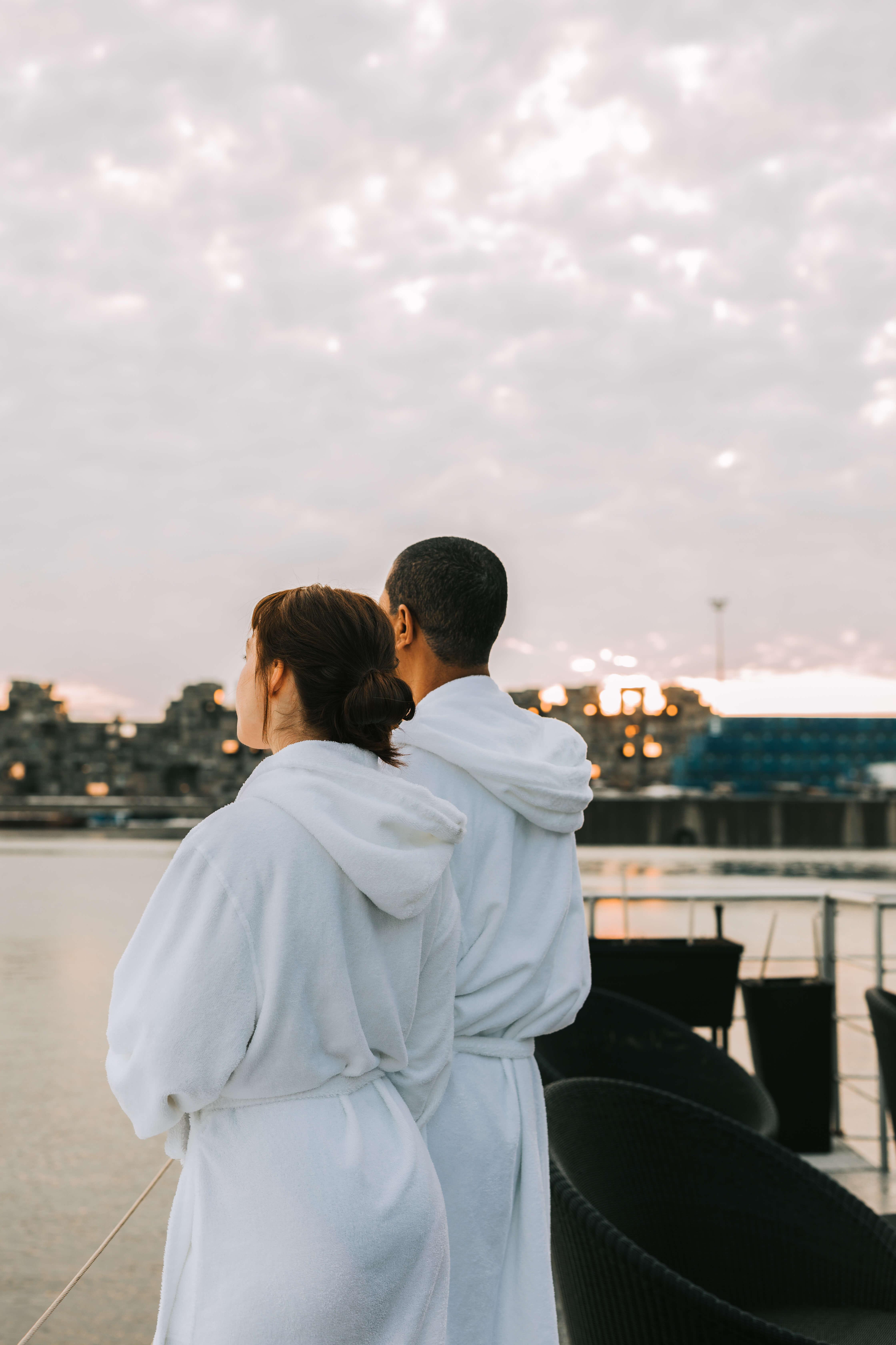 En couple